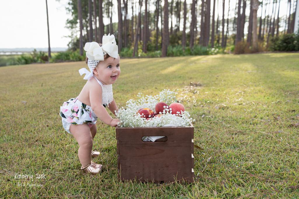 outdoor baby milestone session