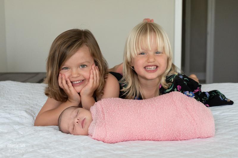 newborn extended family lifestyle photos